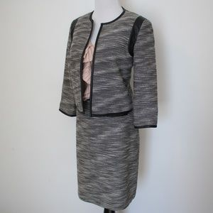 CALVIN KLEIN Size 4 Gray Tweed Skirt Suit Blazer